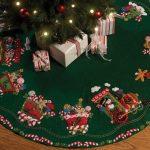 Candy Express Tree Skirt Felt Applique Kit-43 inch Round