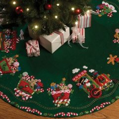 Candy Express Tree Skirt Felt Applique Kit-43 inch Round
